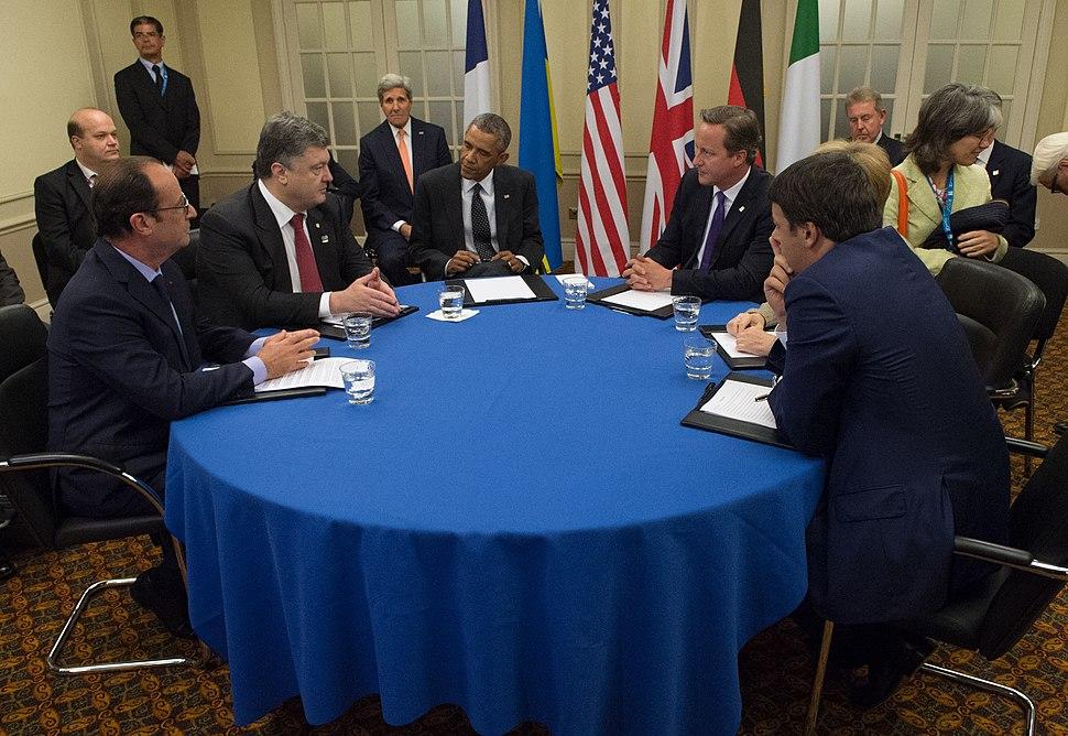 Secretary Kerry Joins President Obama for Meeting With Ukrainian President Poroshenko Before NATO Summit in Wales (14950820747)
