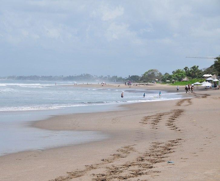 File:Seminyak Beach 2.jpg