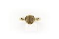 """Slät ring från 1400-talet av guld med oval klack varpå graverat """"h"""" som minuskel(liten bokstav) - Skoklosters slott - 92273.tif"""