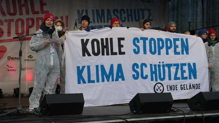 "File:Speech of Ende Gelände at ""Tempo machen beim Kohleausstieg!"" Demonstration Berlin 01-12-2018.webm"