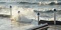 Splashing water wavesin Wimereux 2014 12 25 vague 4753.JPG