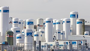 The Linde Group - Image: Storage tanks by Linde group, Schiedam 8228