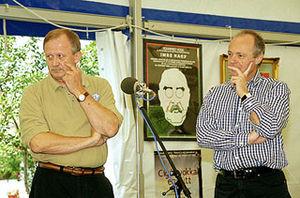 Péter Medgyessy - Medgyessy and SZDSZ leader Gábor Kuncze in 2001