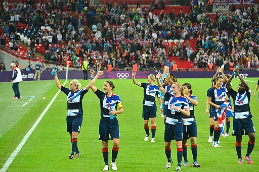 great britain olympic women's team waving to fans