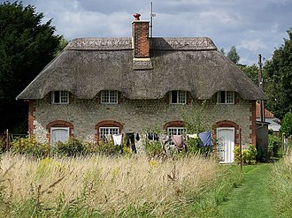 Codford - Image: Thatched cottages, Codford St Mary geograph.org.uk 951532