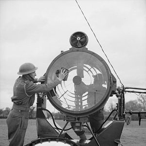 29th (East Anglian) Anti-Aircraft Brigade - Soldiers cleaning a searchlight 1941.