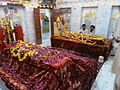 The graves of Maddho Lal and Shah Hussein, Lahore.JPG