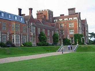 Benenden School - Image: The main building at Benenden School geograph.org.uk 500073