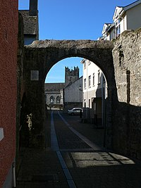 Through the city wall - geograph.org.uk - 1538874.jpg