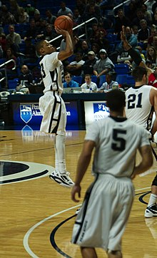 6b854bc29 Frazier shoots a three-pointer vs Hartford in 2011