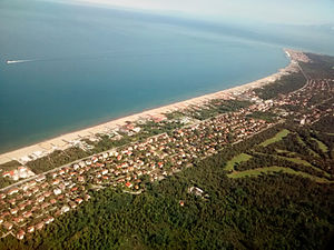 Tirrenia (PI), vista aerea.jpg