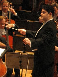Tito Muñoz American conductor
