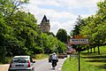 Touristic Montfort with always lots of traffic and the famous castle high rising over the village - panoramio.jpg