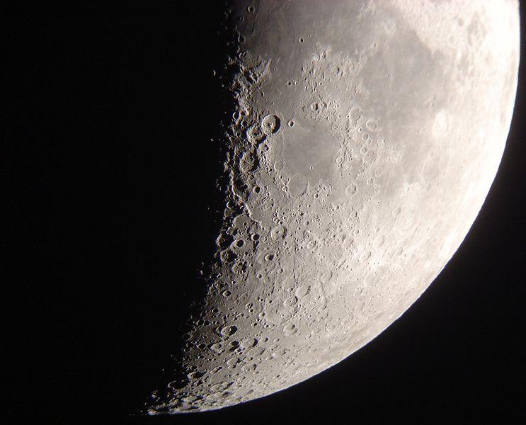 File:Transit-lune-sat--22-mai-02.jpg