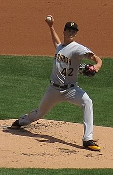 Tyler Glasnow on April 15, 2017 (cropped).jpg