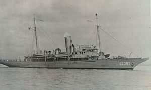 USS Lydonia (SP-700) - Image: USC&GS Lydonia during World War II