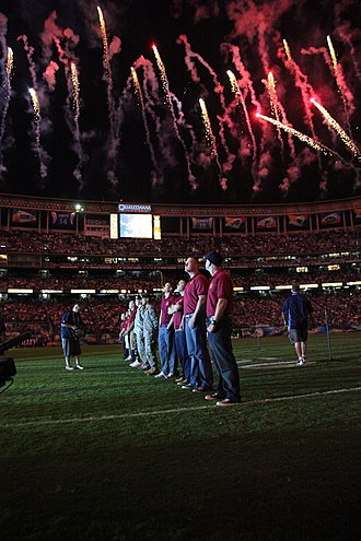 2009 San Diego Chargers season - Image: USMC 090815 M 6796M 002