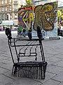Urban-Loritz-Platz - Live-Performance von Perfekt World - Einkaufswagerl und Bild.jpg