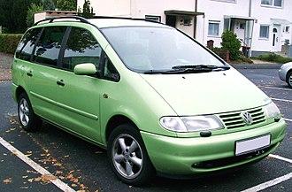Volkswagen Sharan - Image: VW Sharan front 20070928