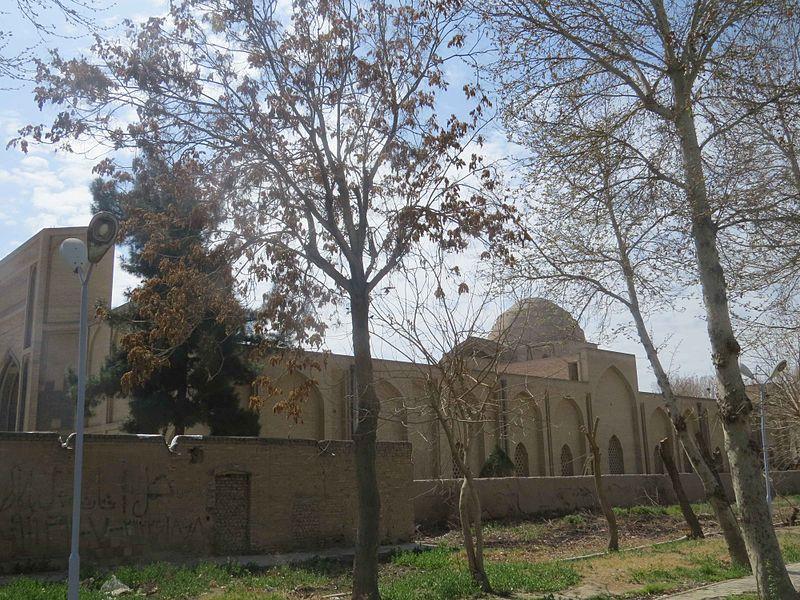 File:Varamin Grand Mosque - Exterior.JPG