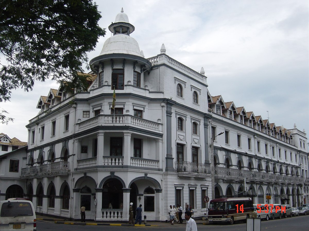 Queen 39 s hotel kandy wikipedia for Building a victorian house