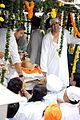 Vindu Dara Singh at Dara Singh's funeral 01.jpg