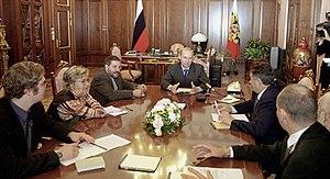 Mikhail Leontyev - 2000, Leontyev next to Russian President Vladimir Putin (right hand)