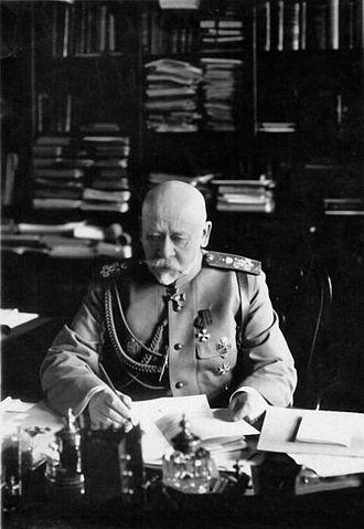 Vladimir Sukhomlinov - Sukhomlinov in his office (1912)