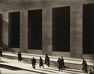 Уолл-стрит, Пол Стрэнд, 1915.jpg