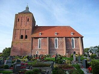 Osteel - Image: Warnfried Kirche Seitenansicht