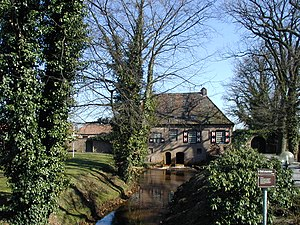 De watermolen bij het Klein Kasteel te Deurne, 23 maart 2003.