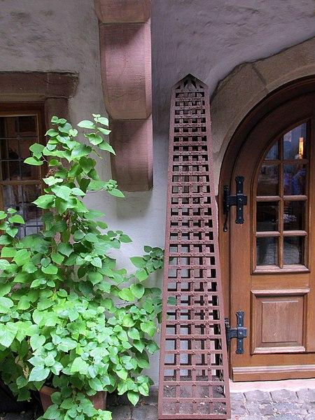 """File:Weinstube """"Zur Blum"""" im historischen Frank-Loebschen-Haus - panoramio.jpg"""