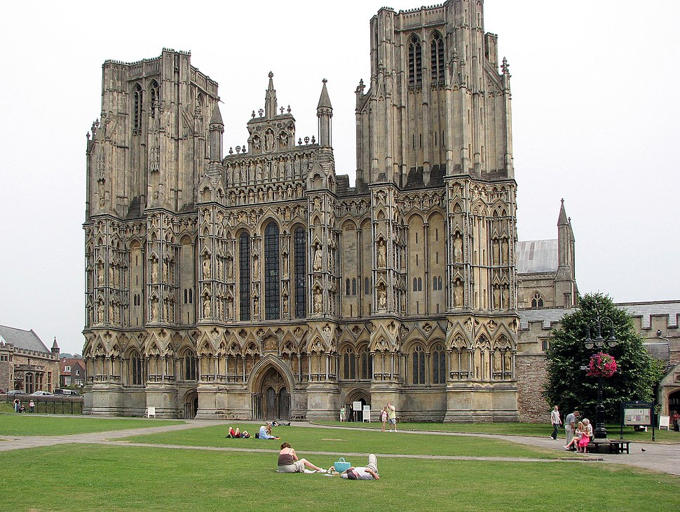 Wells.cathedral.front.arp