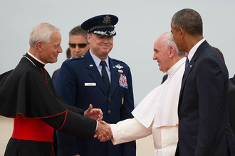 Donald Wuerl - Wuerl and President Obama welcome Pope Francis to United States, 2015