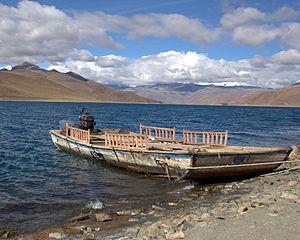 Yamdrok Boat.jpg