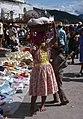 Zacapa-06-Markt-Frau mit Kopflast-1980-gje.jpg