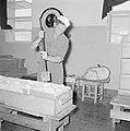 Zuivelfabriek Tnuva Botermaker aan het werk, Bestanddeelnr 255-4434.jpg