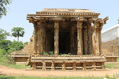 """Front view of Hall Of Hundred Pillared Mandapam Or Car"".JPG"