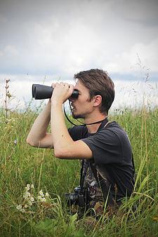 Орнитолог в поле.JPG