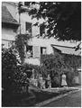 Основное здание на ферме Е. Е. и Ю. А. Лазаревых (ок. 1900).png