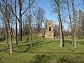 Стрельна. Орловский парк. Башня-руина01.jpg