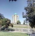 آرامگاه باباطاهر نمای شرقی.jpg
