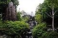 福禄寿の頭上に鳥居 京都市02 - Sep 7, 2015.jpg