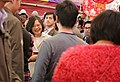 01.29 總統抵新竹義民廟,發送福袋予民眾 (32430779662).jpg