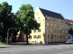 018 1920s apartment building in Friedrich-Engels-Straße.png