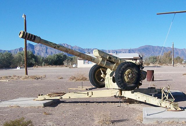 640px-122_mm_howitzer_2A18_(D-30).jpg