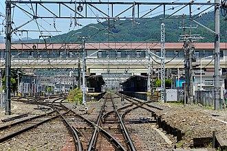 Kami-Suwa Station - Image: 160603 Kami Suwa Station Suwa Nagano pref Japan 12n