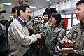 20100213 總統與陸軍航空601旅官兵代表會餐 b8802cb8fdba1d3bcb9687042b4944baad2790b8.jpg