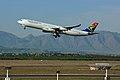 2011-06-21 15-29-15 South Africa - Crossroads - ZS-SXB.jpg