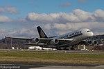 9V-SKK Airbus A380-841 A338 - SIA (24991142421).jpg